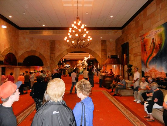 Sight & Sound Theatres: Lobby Area