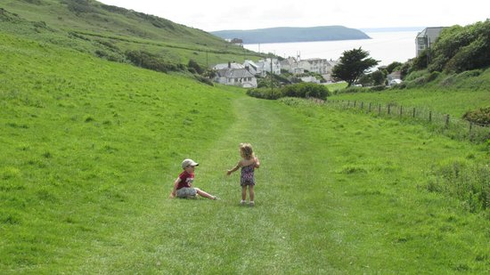 Twitchen House Holiday Village : The beautiful walk to the beach