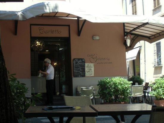 Gelateria Carletto: esterno bar