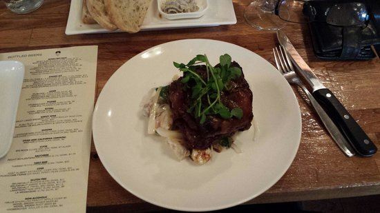 Brothers Beer Bistro: Braised pork ribs - delicious