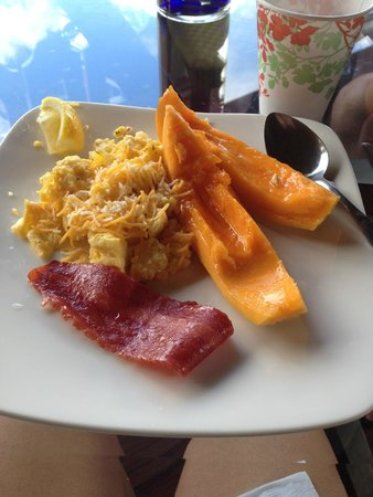 Paradise Bay Resort Hawaii: Fresh breakfast every morning