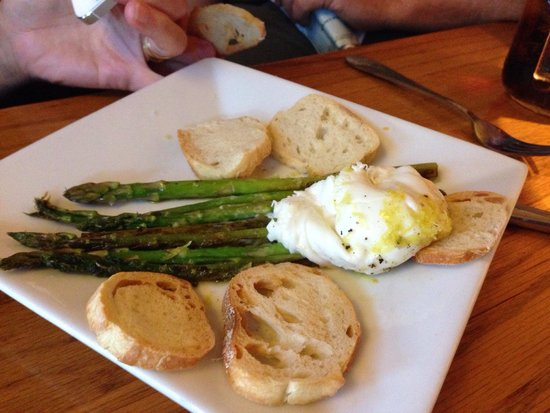 Apple Farm Inn : Asparagus and cheese