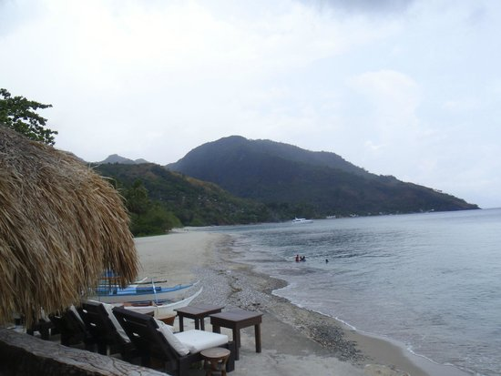 Sunset at Aninuan Beach Resort : view of the beach from our favorite sunset viewing location