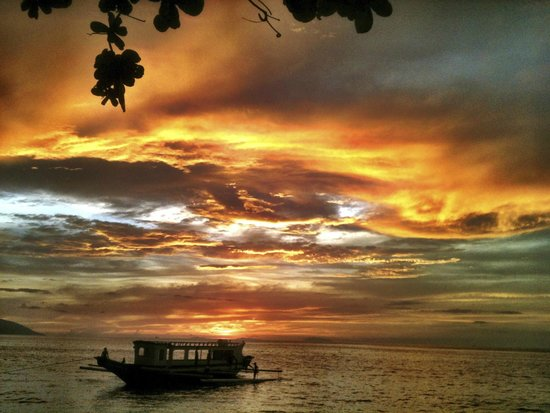 Sunset at Aninuan Beach Resort: Another beautiful sunset