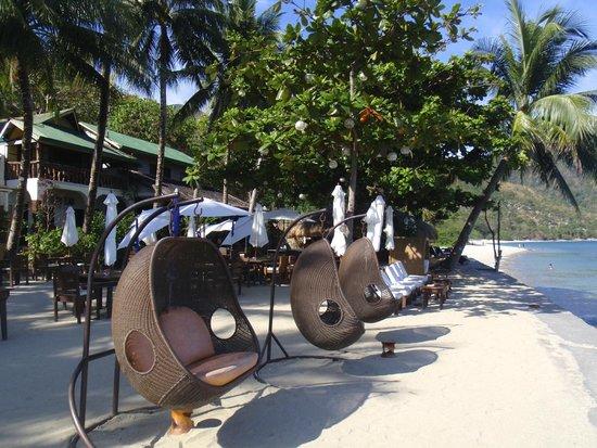 Sunset at Aninuan Beach Resort: Beautiful beach amenities
