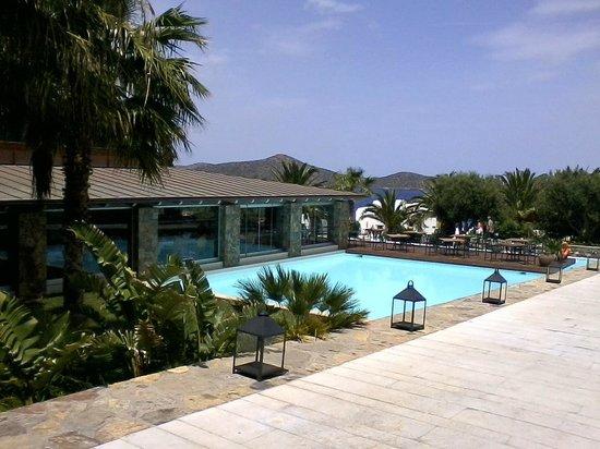 Sensimar Elounda Village Resort & Spa by Aquila: Aquila Elounda Village Außenbereich Hauptrestaurant