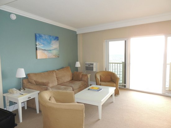 Sun Tower Hotel & Suites: Wohnzimmer