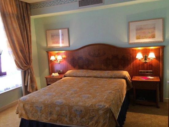 Hotel Horus Zamora: Bed area