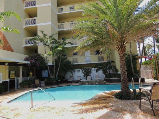 Sun Tower Hotel & Suites: Pool