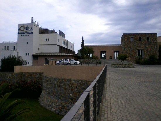 Sensimar Elounda Village Resort & Spa by Aquila: Aquila Elounda Village Hauptgebäude und Eingang