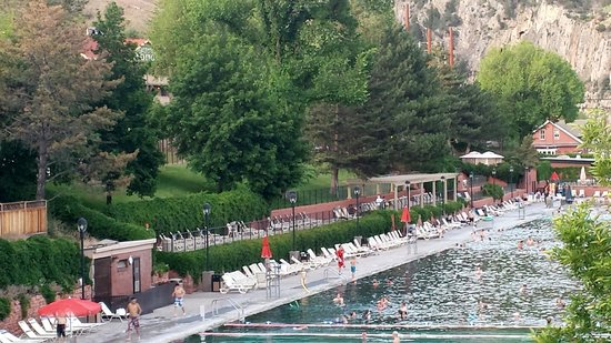 Glenwood Hot Springs Resort: The pool