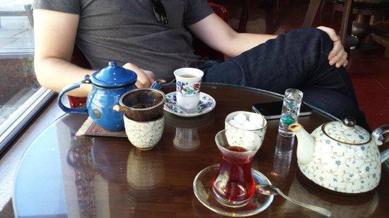 Efendi Tea & Coffee House: Herlig Te.