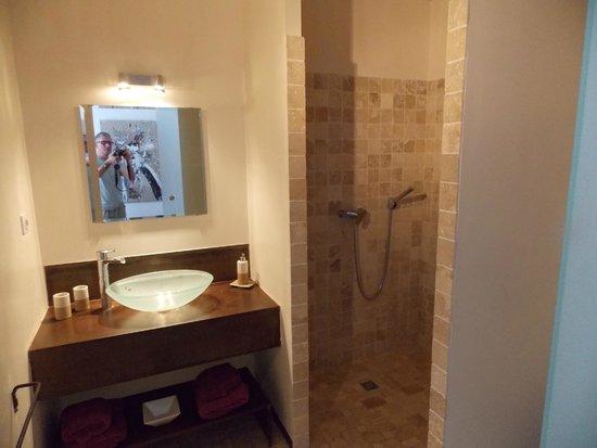 Villa Krilou: bathroom