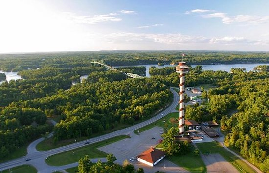 Lansdowne, Canada: 1000 Islands Tower