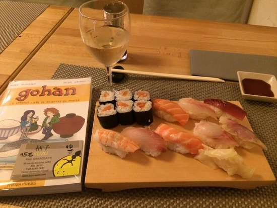 Yuzu Sushi Bar: Nikiri with rolls (14 items) 18.5 euro