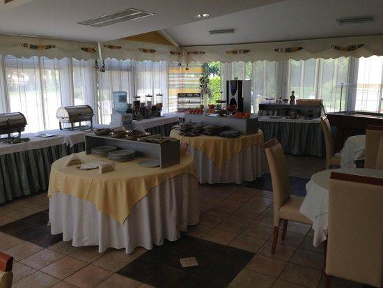Hotel Villa Valpovo: Breakfast room