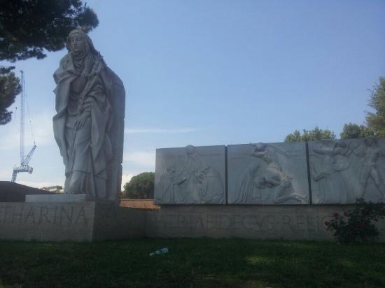 Statua di Santa Caterina
