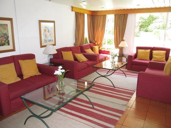 Dorisol Buganvilia: Public seating area