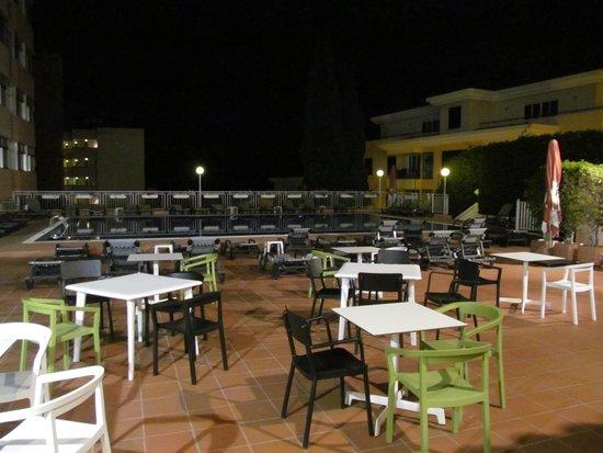 Dorisol Buganvilia: Terrace bar area