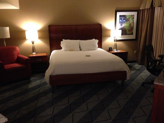 Hilton Garden Inn Lancaster: The bed