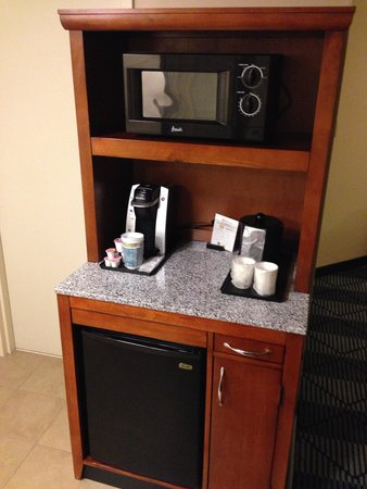 Hilton Garden Inn Lancaster: microwave and  refrigerators