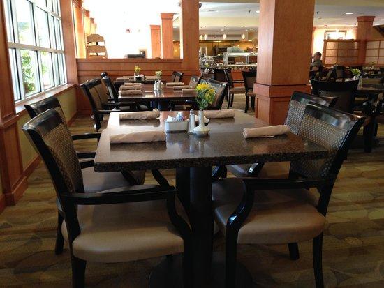 Hilton Garden Inn Lancaster: dining area