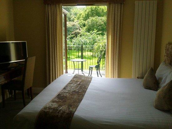 BEST WESTERN PLUS Grim's Dyke Hotel: Garden balcony room