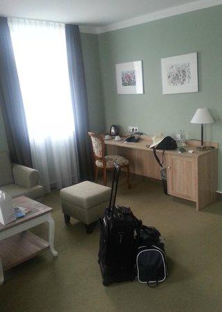 Berg- und Jagdhotel Gabelbach: Suite 250 living room
