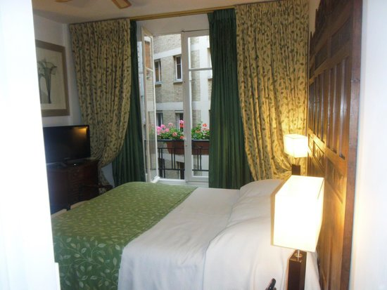 Hotel Nicolo: Room