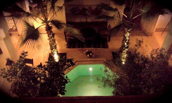 Riad Matham: dipping pool and courtyard