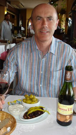 Tango : Enjoying the food, and wine