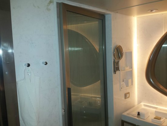 Hotel Fasano Rio de Janeiro: Visão da entrada do Banheiro