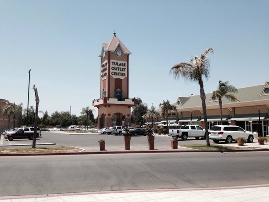 Tulare Outlet Center: Shopping at Tulare