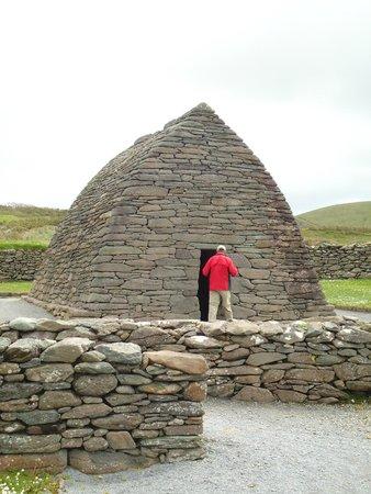 Gallarus Oratory: The stone oratory