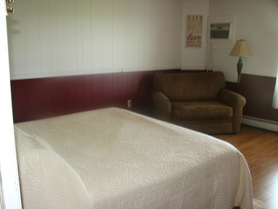 Bondville, VT: King Couple Room #12