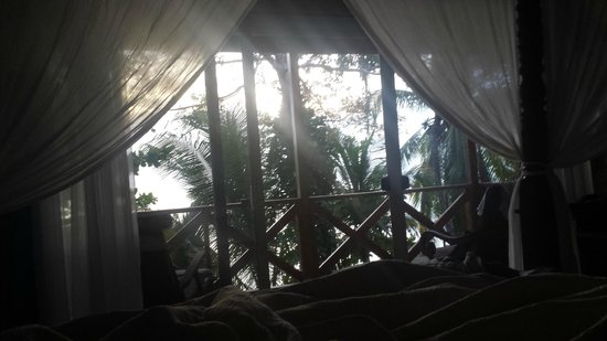Popa Paradise Beach Resort: The view from our bed!