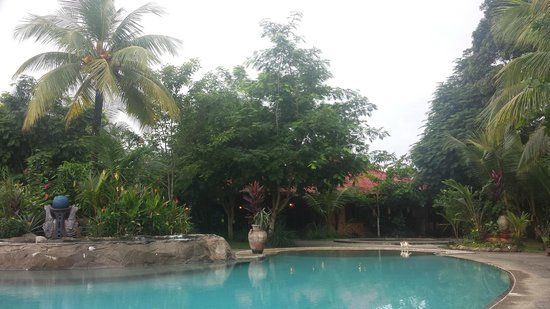 Popa Paradise Beach Resort: Pool