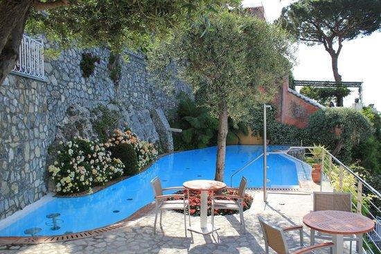 Hotel Maricanto: Pool area