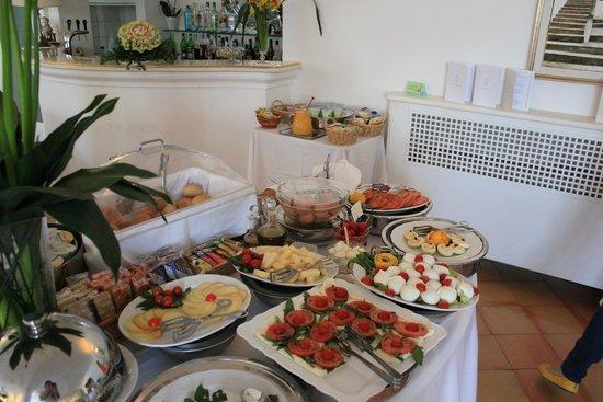 Hotel Maricanto: Breakfast buffet