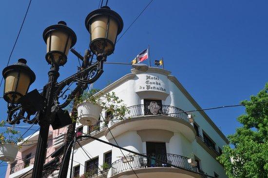 Hotel Conde de Penalba : Vista da rua