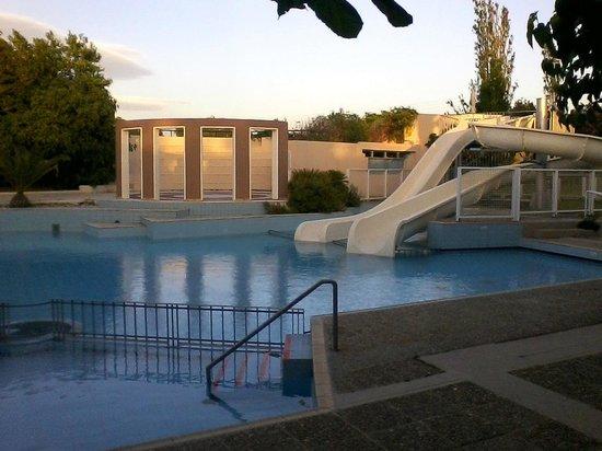 Grecotel Creta Palace Hotel : Grecotel Creta Palace Pool mit Rutsche nahe Kinderclub
