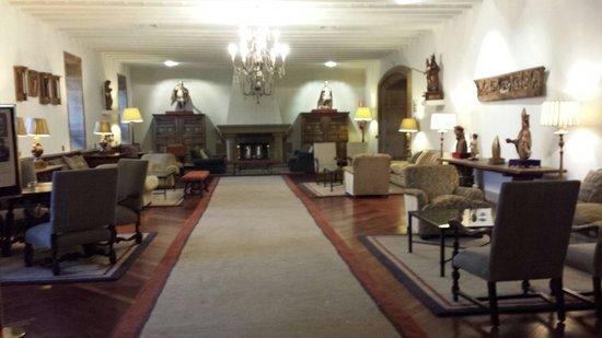 Parador Hostal Dos Reis Catolicos: Salón