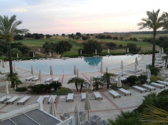 Donnafugata Golf Resort & Spa : Piscina al tramonto