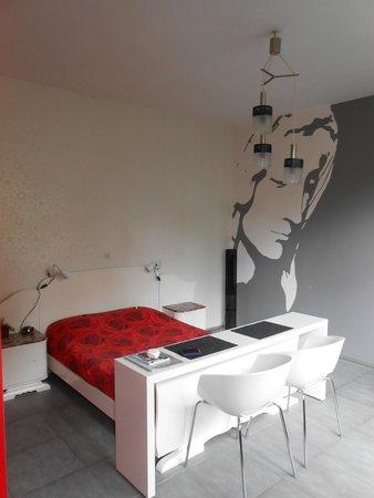 AM/PM : chambre 2 eme étage