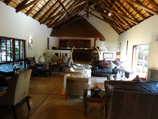 Elephant Plains Game Lodge : Bar