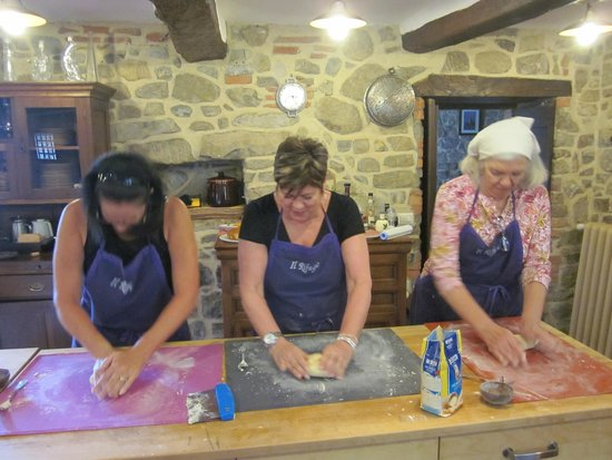 Tuscan Culinary One-Day Cooking Class: Making pasta