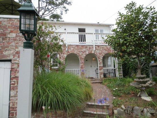 Carmel Green Lantern Inn : Charming place to stay!