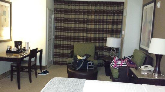 Isle of Capri Casino Hotel Lake Charles : Nice Size Sitting Area