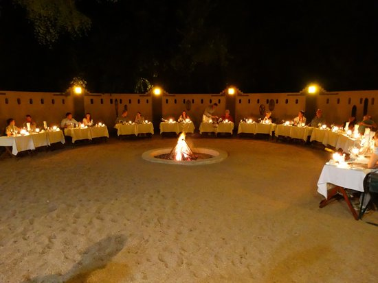 Elephant Plains Game Lodge: Dinner under the stars with a campfire