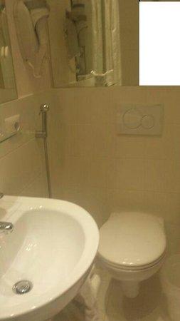 Hotel Bernina: Bagno